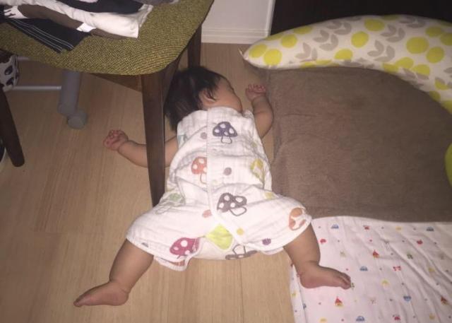 2fde99bb7b21fb 赤ちゃんが布団を蹴る理由は何?簡単にできる対策はコレだった | イクメンパパハック