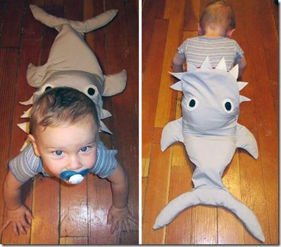 サメに食べられている